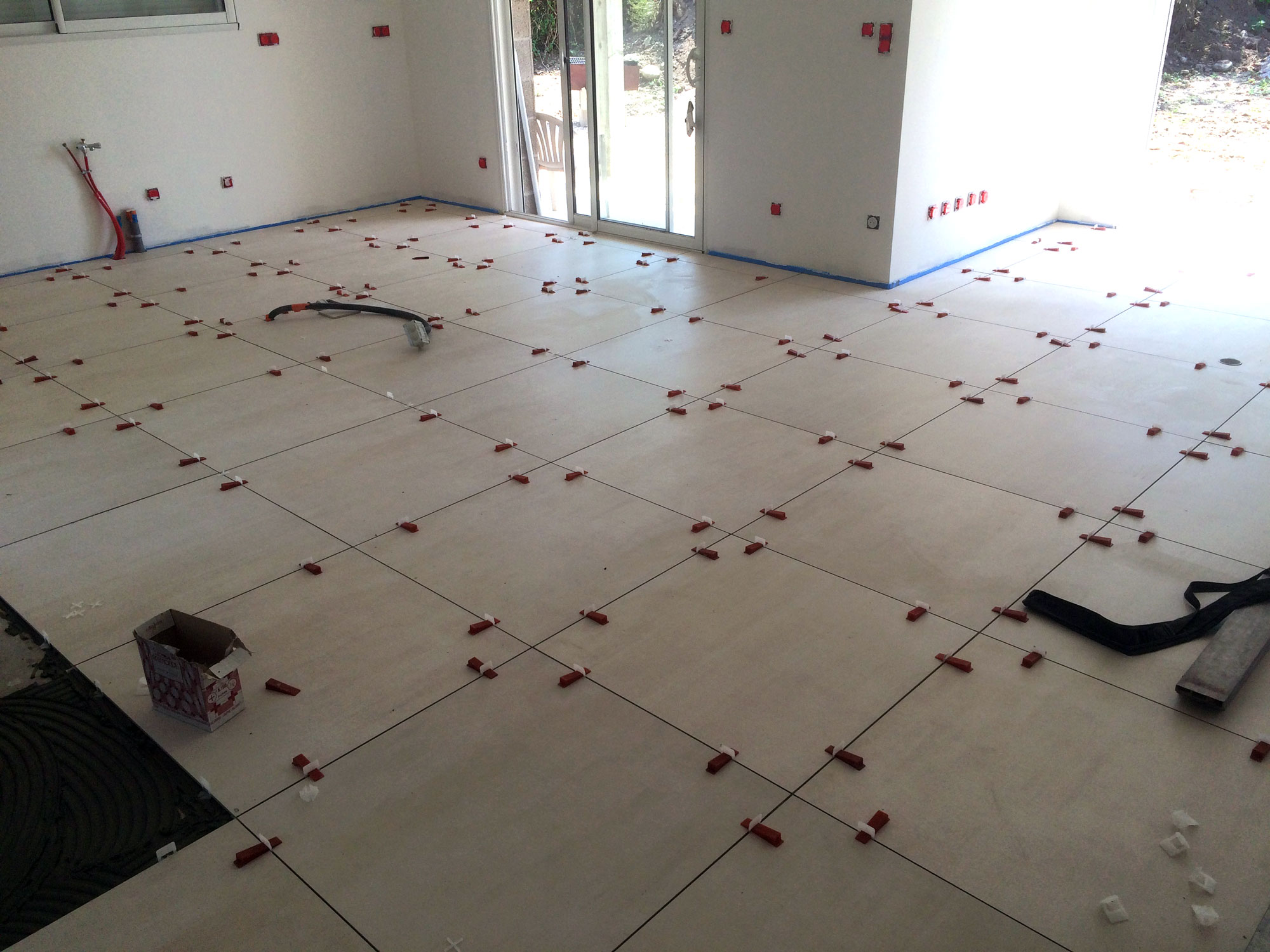 Carrelage grand format votre sp cialiste en is re la for Carrelage faible epaisseur renovation