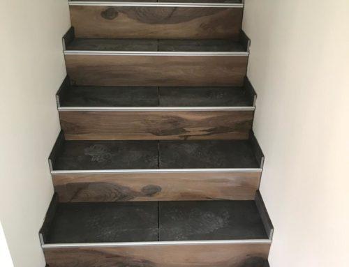Carrelage escalier effet bois